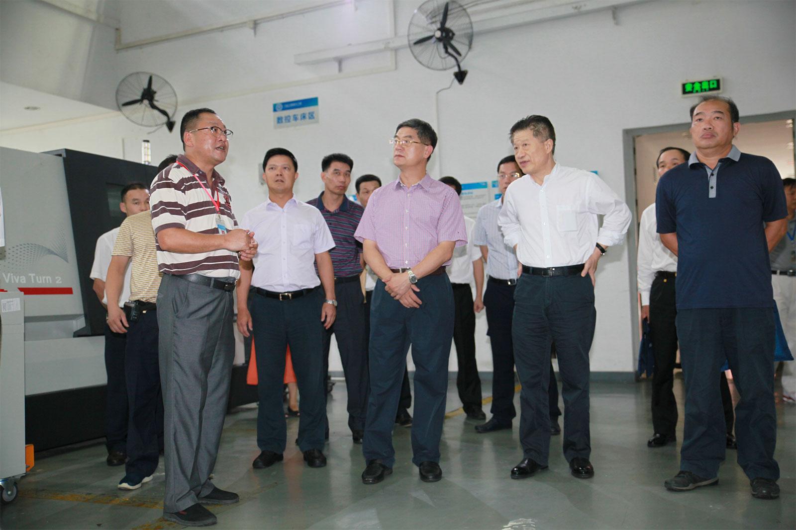 省人社厅厅长黄汉标、巡视员张凤岐、副厅长