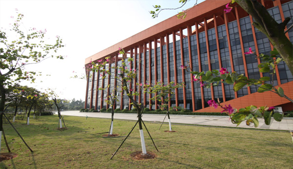 广东省工业高级技工学校校园环境